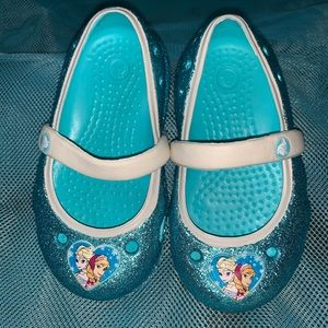 Disney Frozen flat Crocs NWOT toddler Sz 5